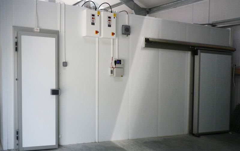 Methods for the Cleaning and Maintenance of Cold Rooms
